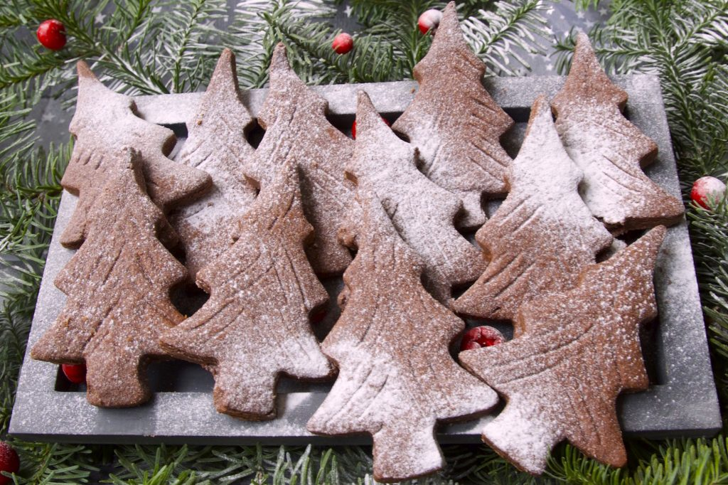 Chocolate orange Christmas tree cookie Mailänder